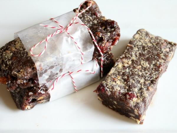 Chewy chocolate protein bars