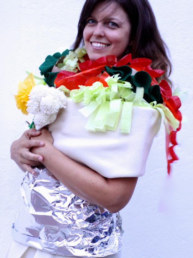 From bananas to tacos these 50 food costumes are easy to diy diy burrito costume solutioingenieria