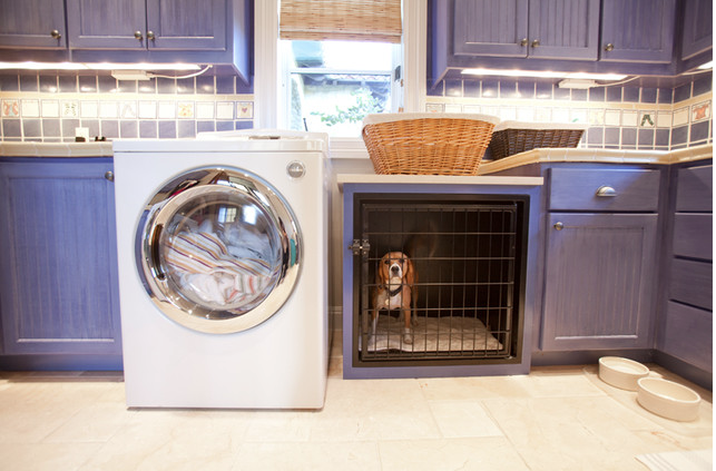 Dog crate built in laundry room