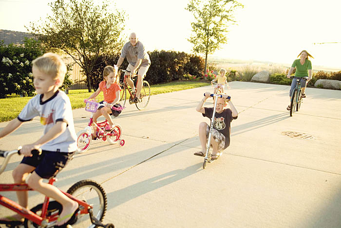 Family bike ride photoshoot