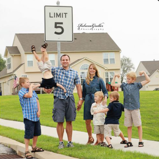 Family photography ideas funny