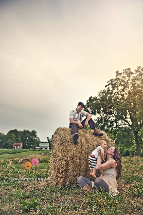 Hay Bale Photoshoot Idea