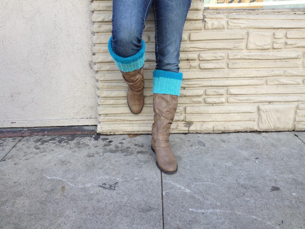 Colour block boot cuffs
