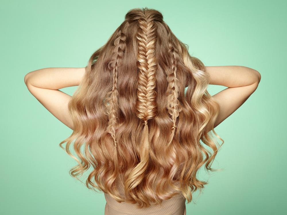 Fishtail hairdo for long hair