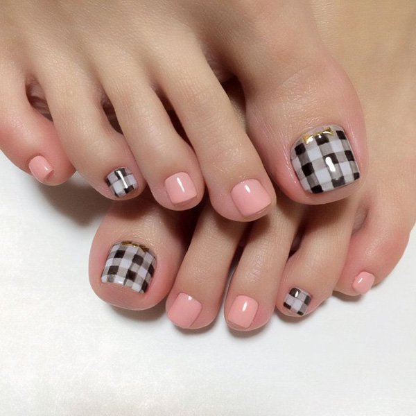 Pedicures just got better with these 50 cute toe nail designs gingham nail art designs prinsesfo Choice Image