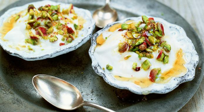 Greek yogurt with pistachios and honey