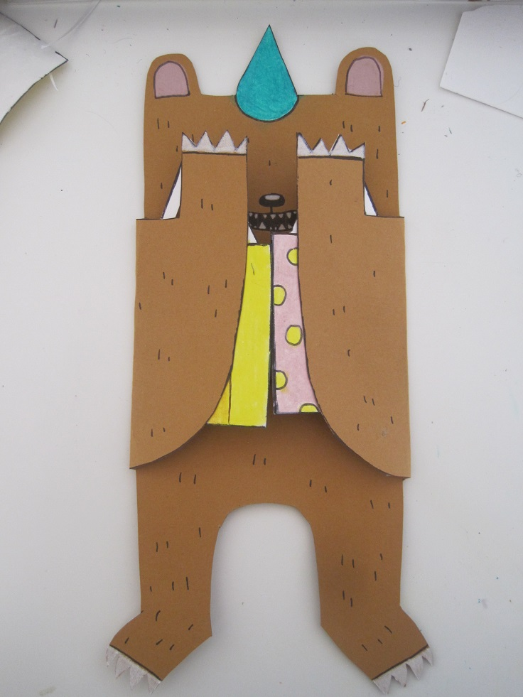 Hiding bear card