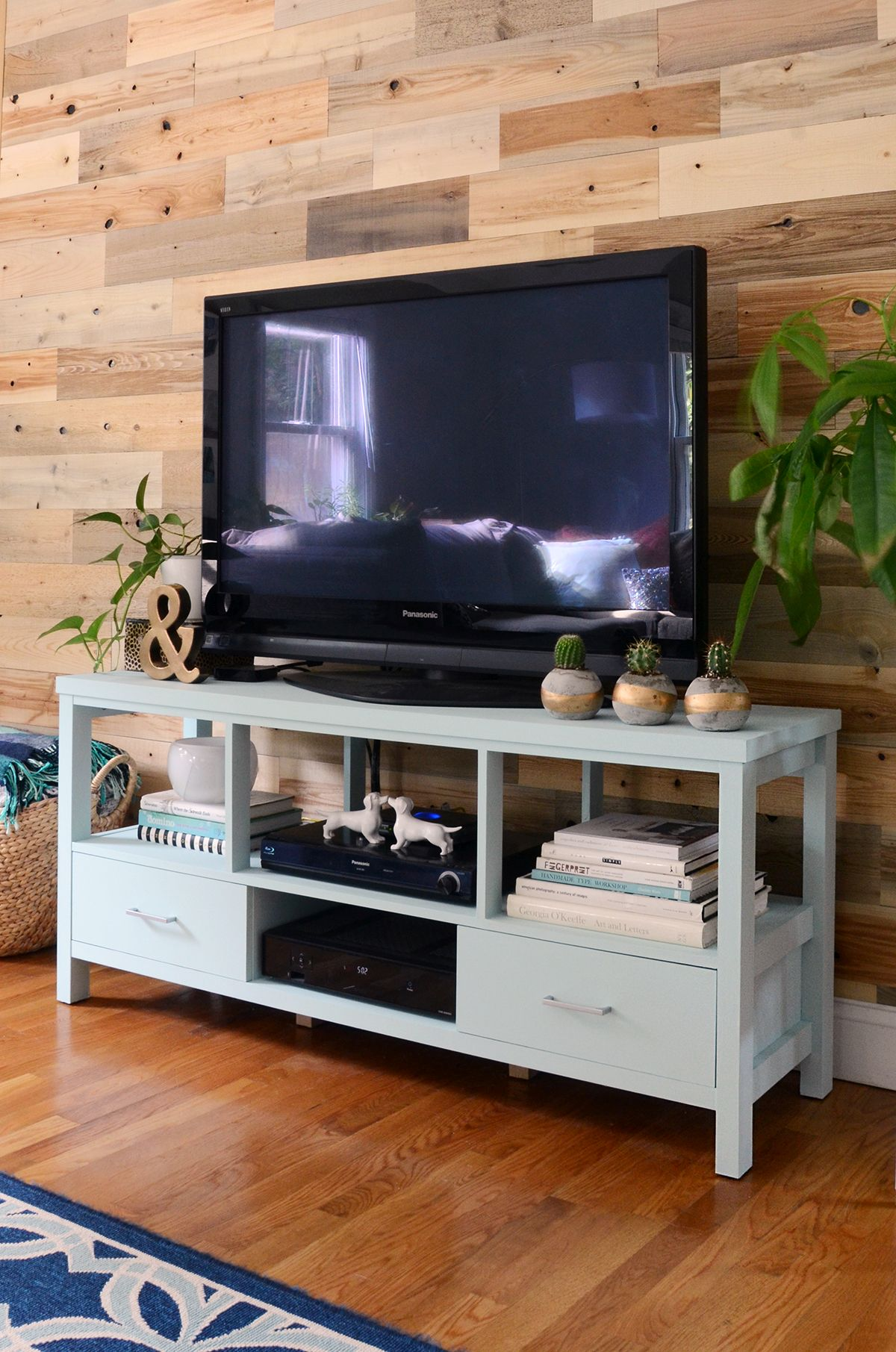How to paint furniture with chalk paint diy
