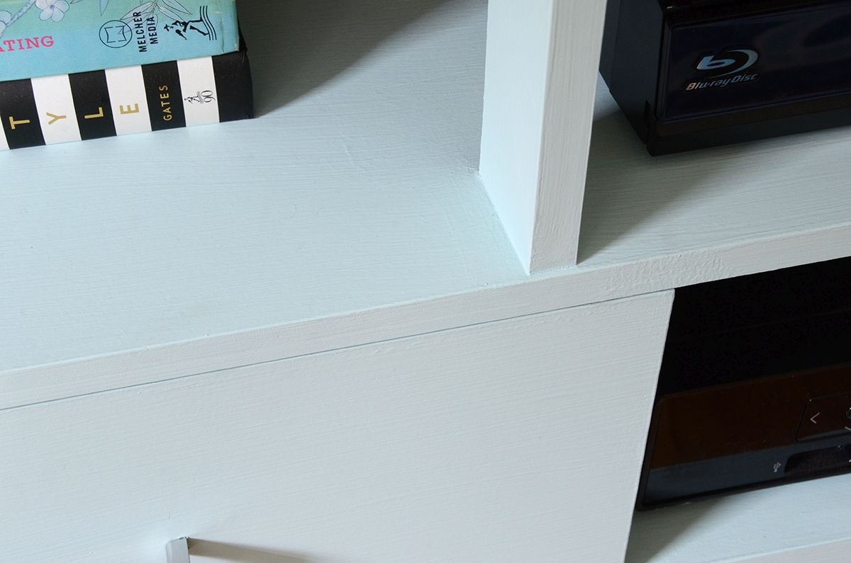 How to paint furniture with chalk paint let it dry