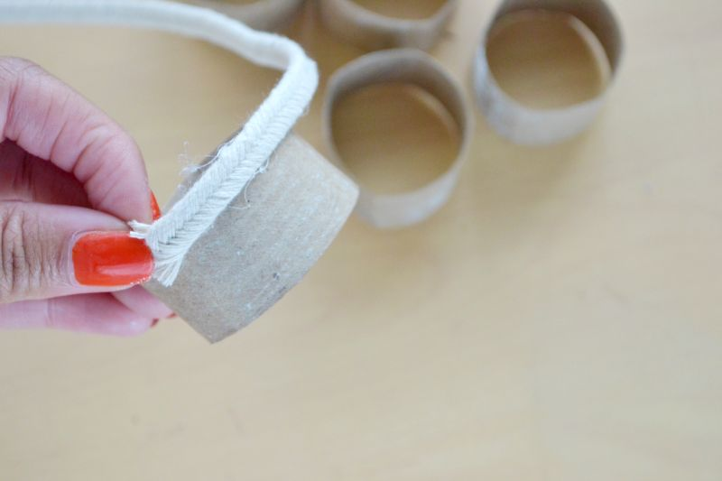 Roped napkin rings glue