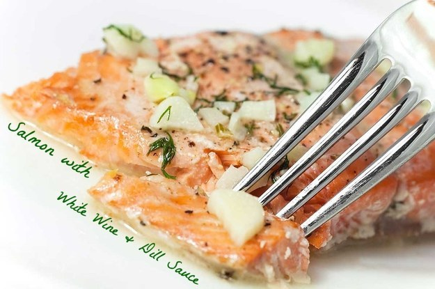 Salmon with white whine and dill sauce