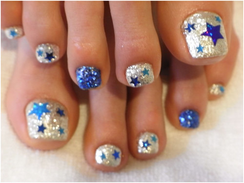 Star toe nails · Style Craze does it again with this design. Whether you  just want some stars or you're feeling a bit patriotic, these are adorable! - Pedicures Just Got Better With These 50 Cute Toe Nail Designs!