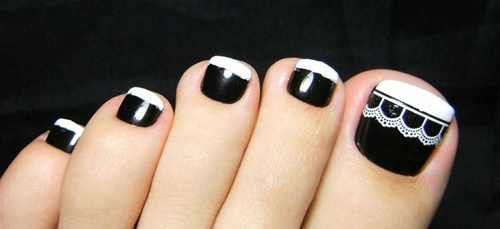 Pedicures just got better with these 50 cute toe nail designs black and white contrast toe nails prinsesfo Gallery