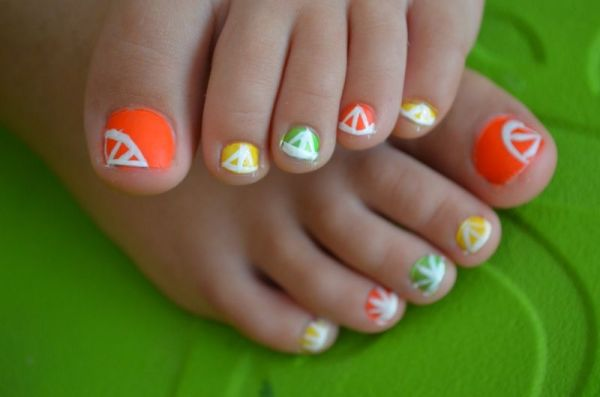 Pedicures just got better with these 50 cute toe nail designs citrus toe nail design idea prinsesfo Choice Image