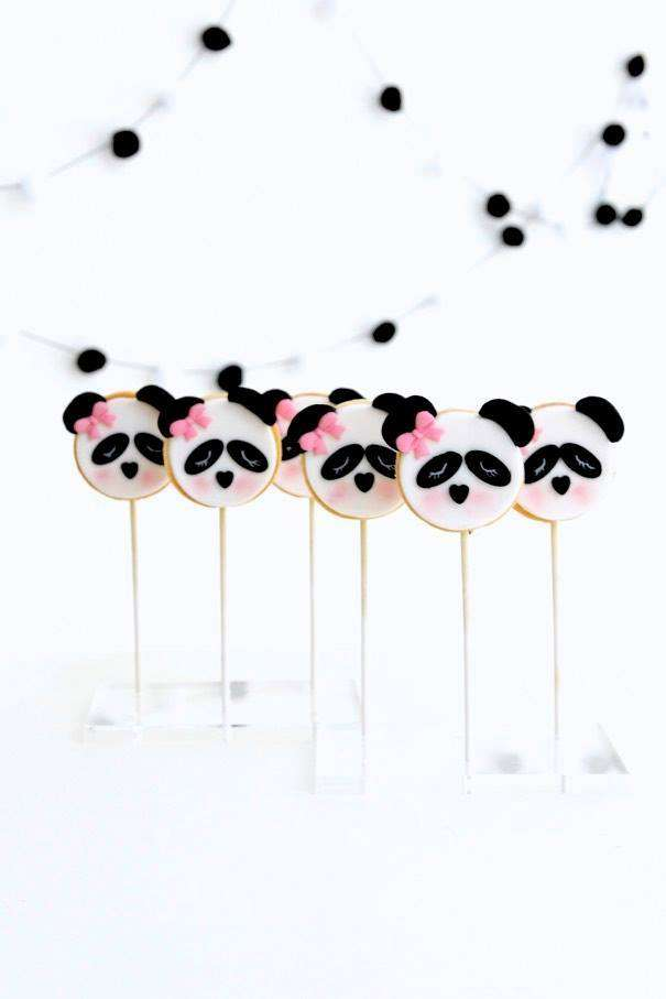 Panda cookie pops