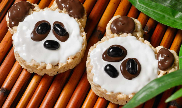 Panda marshmallow treats