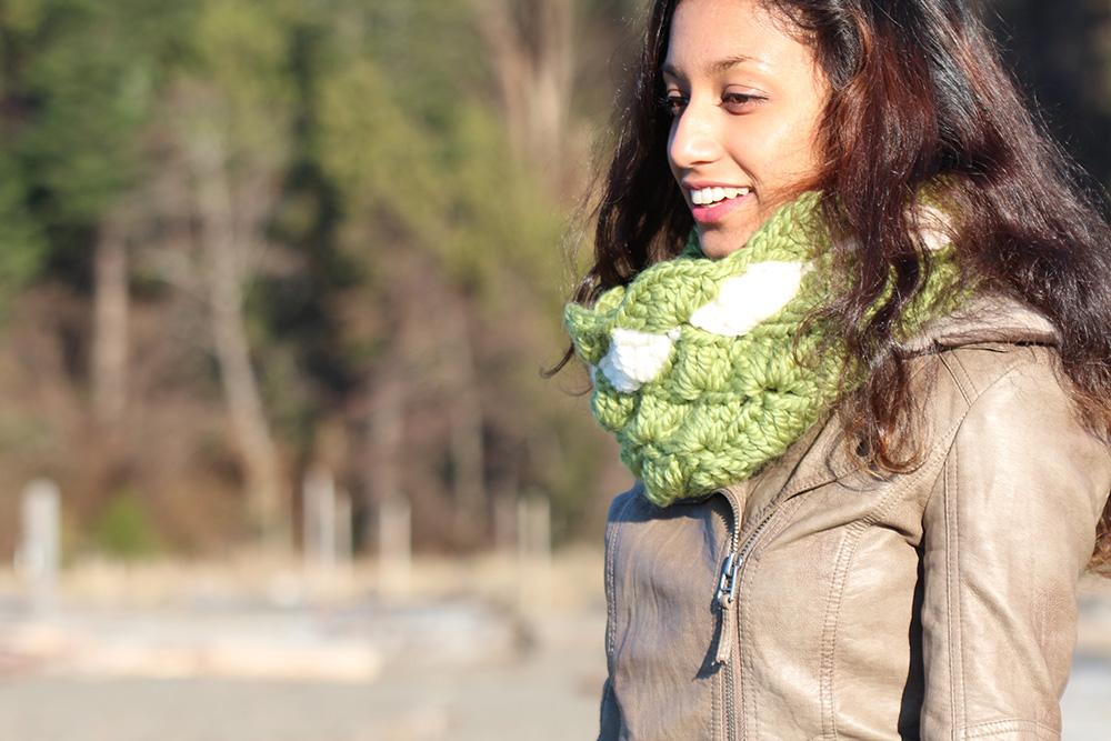 Seashells crochet infinity scarf tutorial