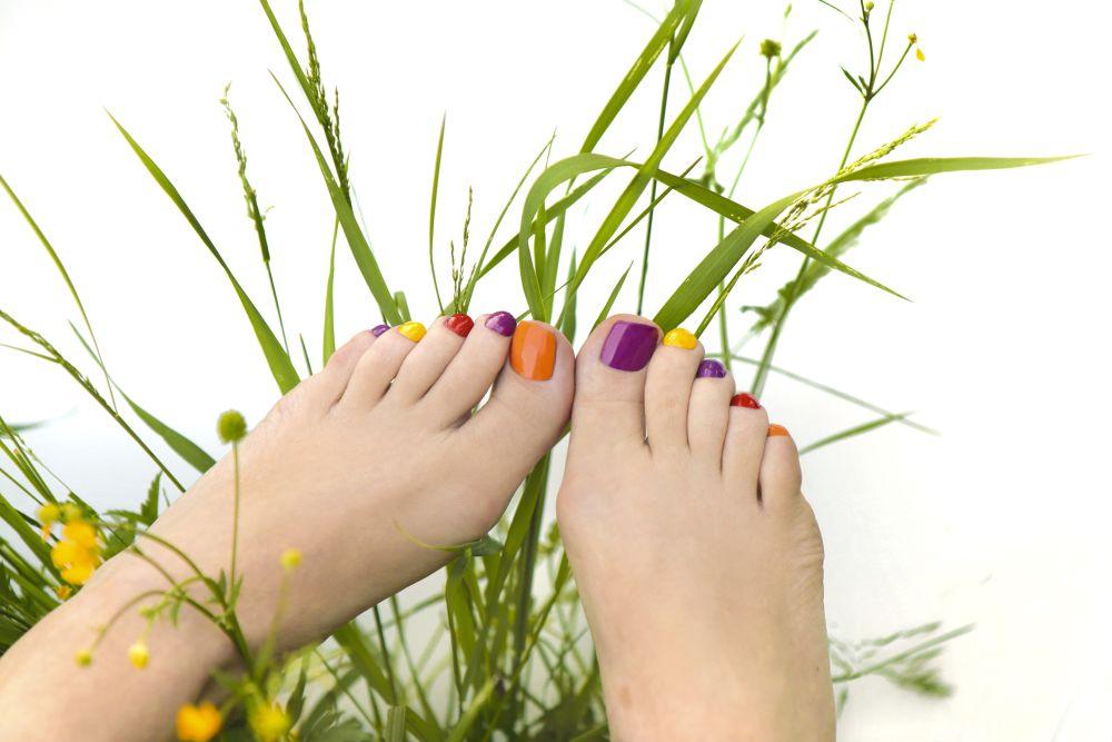 Spring nails pedicure