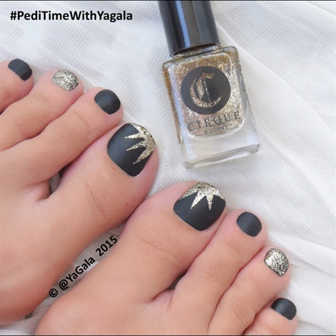 Starburst toe nail design - Pedicures Just Got Better With These 50 Cute Toe Nail Designs!