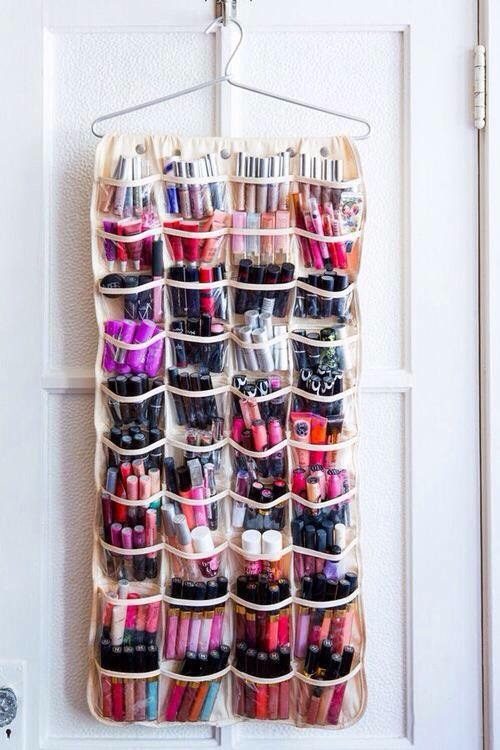 These 22 diy makeup storage ideas will have your vanity thanking you 63c729e0 15c5 0132 0838 0eae5eefacd9 solutioingenieria Choice Image