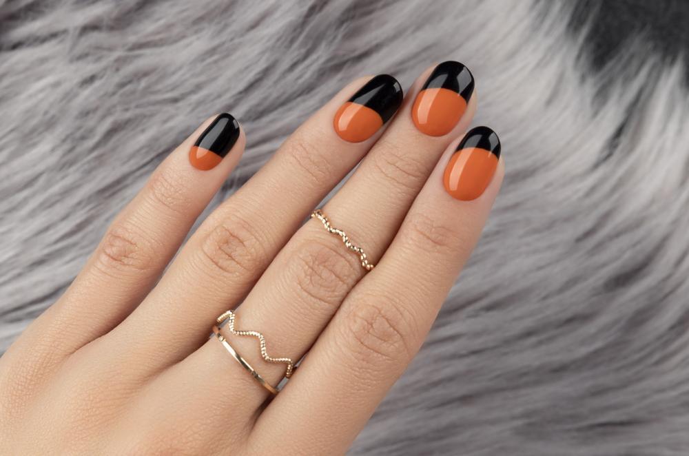 Autumn colors black and orange halloween nails