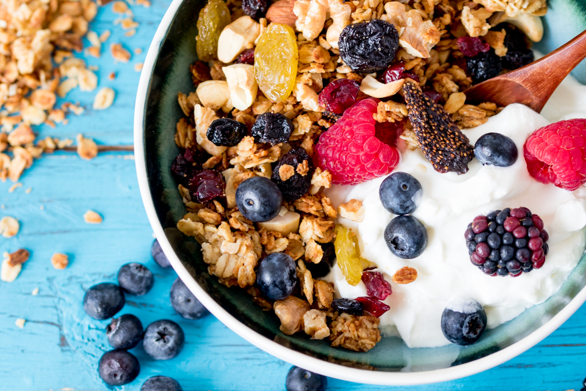 Berry nut granola wide 4