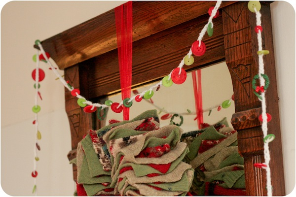 Button christmas garland