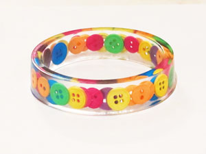 Button resin bracelet