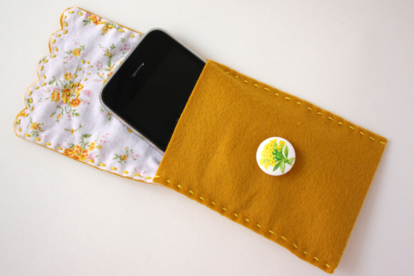 Buttoning felt and fabric phone case