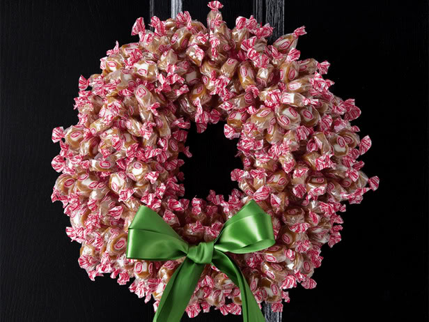 Cream caramel candy wreath