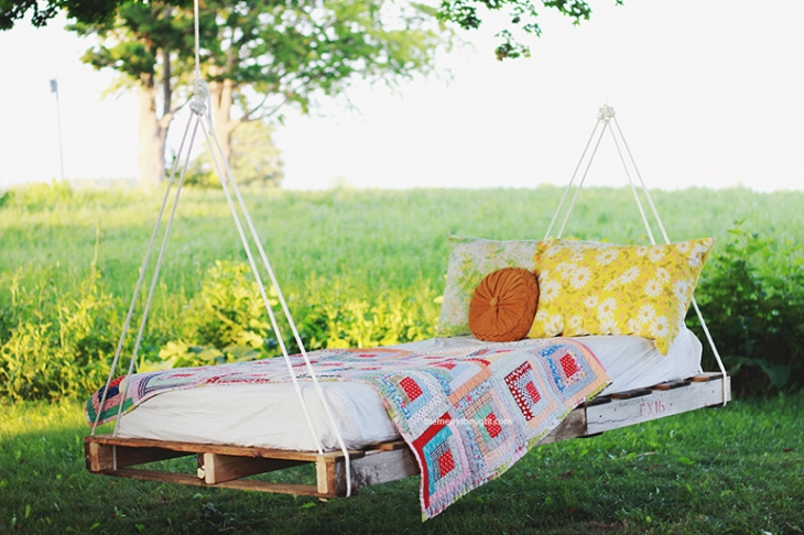 Diy pallet swing bed the merrythought 1pp w730 h486