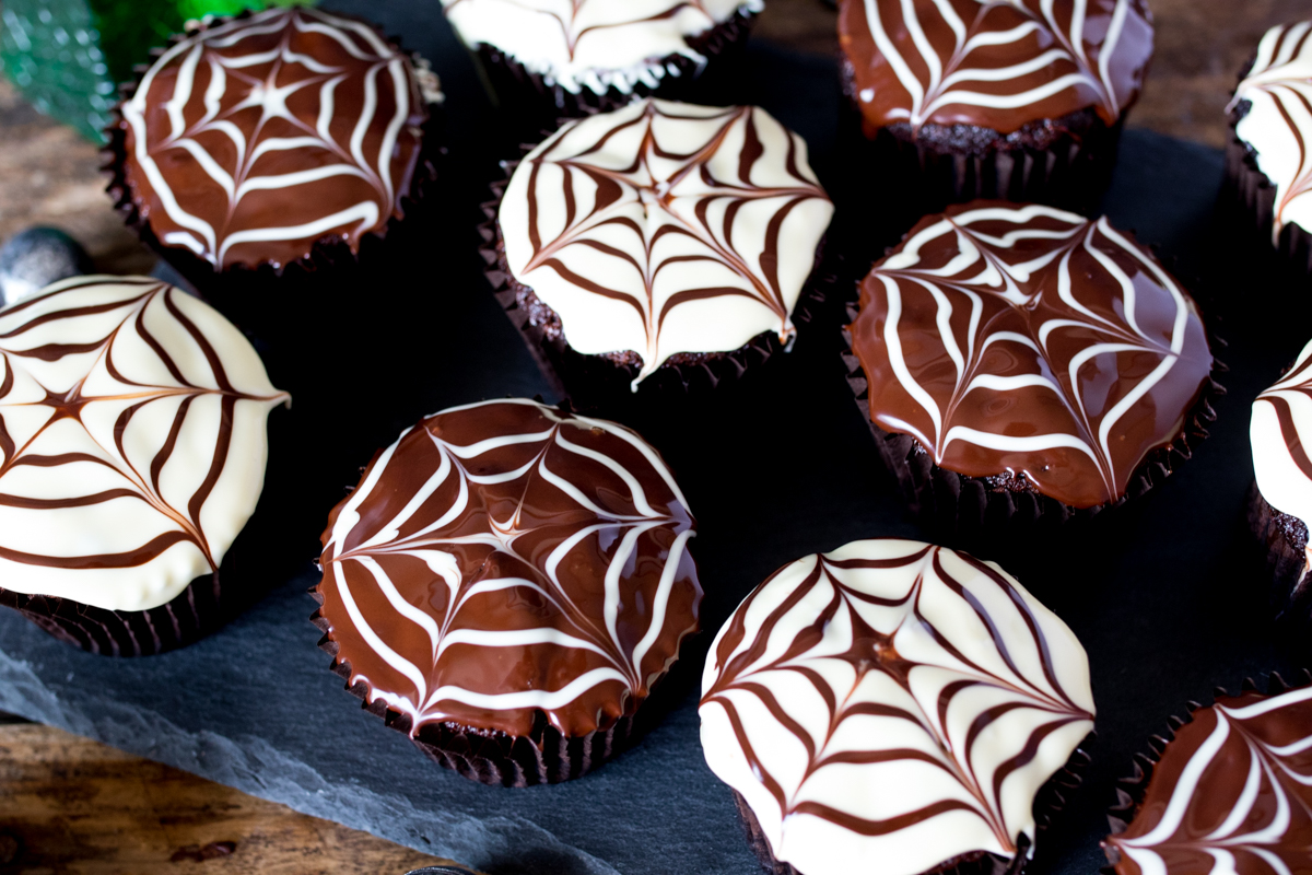 Halloween spide web cupcakes finished 3