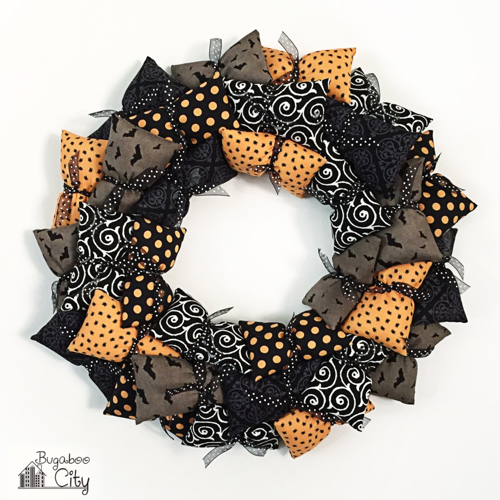 Halloween wreath party decor