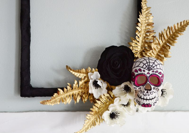 Happy halloween skull wreath