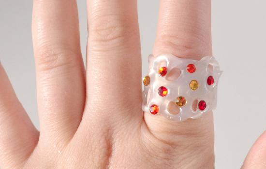 Hot glue and rhinestone rings