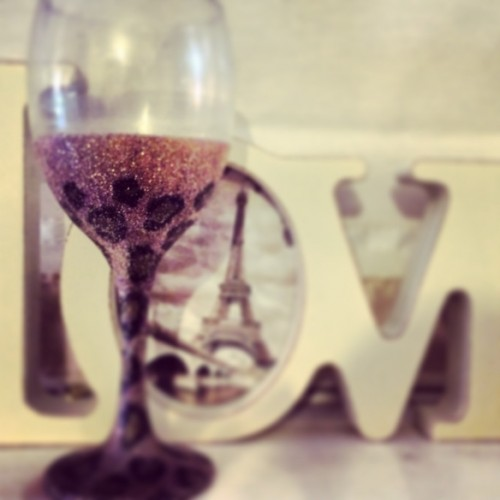 Leopard and glitter wine glass
