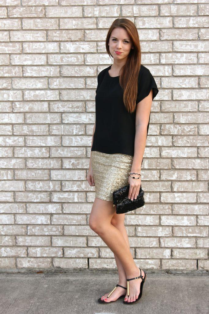 Lined sequinned mini skirt