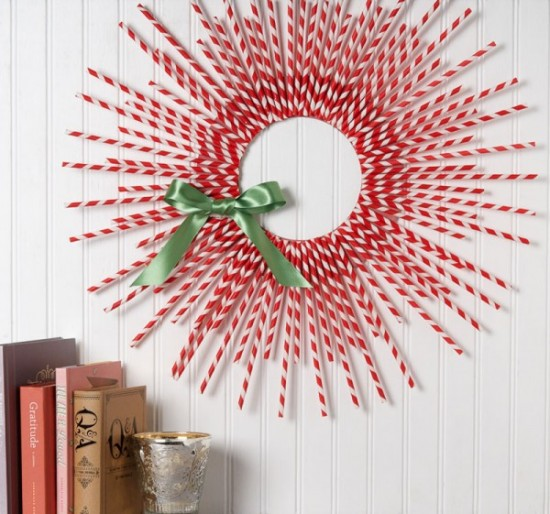 Paper straw christmas wreath