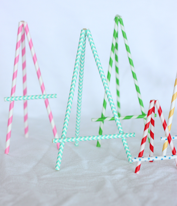 Paper straw easels