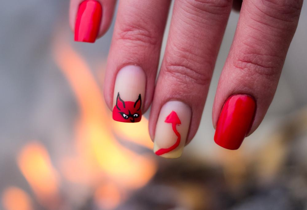 Red devil easy halloween nail designs