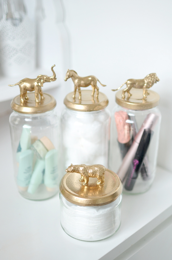 Spray jar gold animals diy