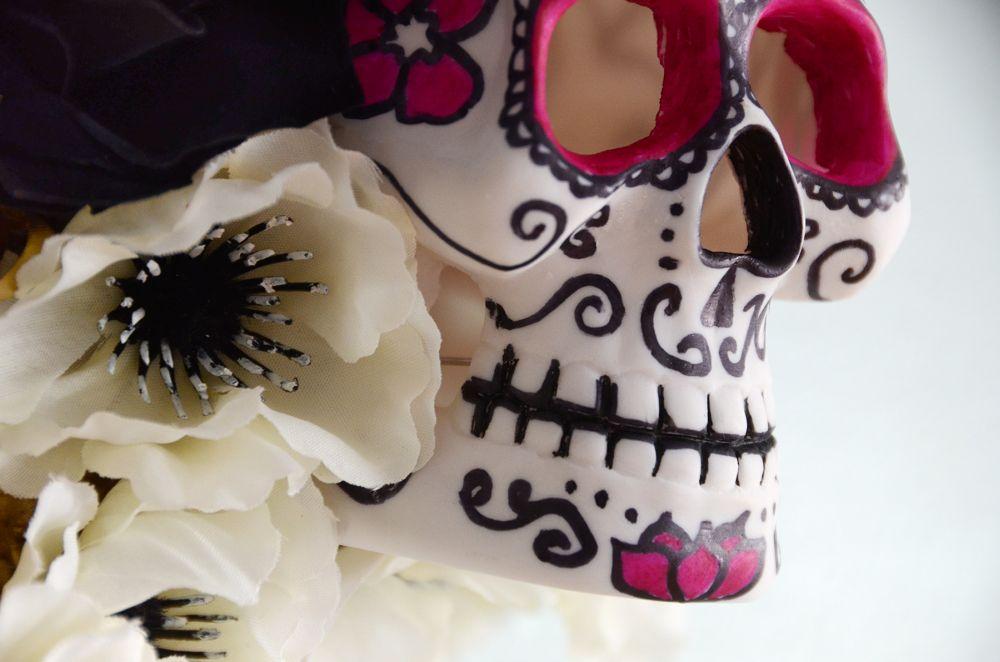 Sharpie skull on wreath