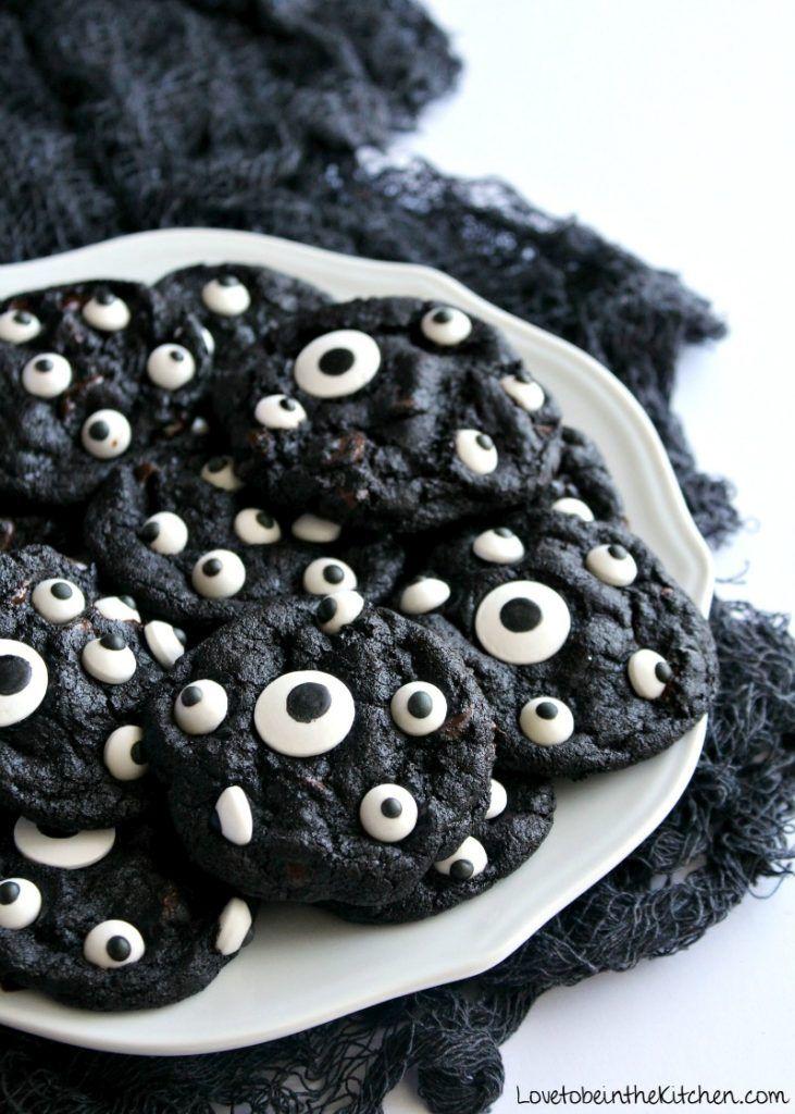 Spooky cookies halloween treats