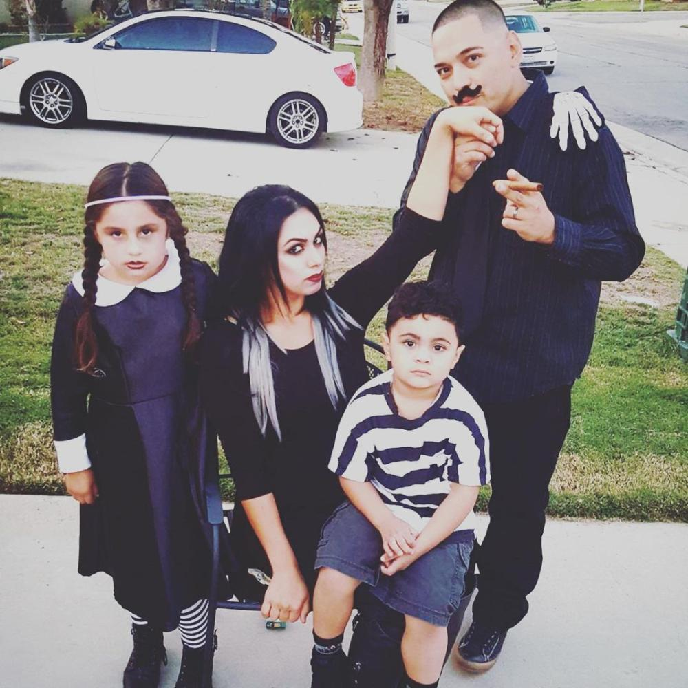 The addams family easy at home halloween costumes