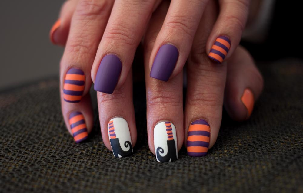 Witch shoes halloween nails simple