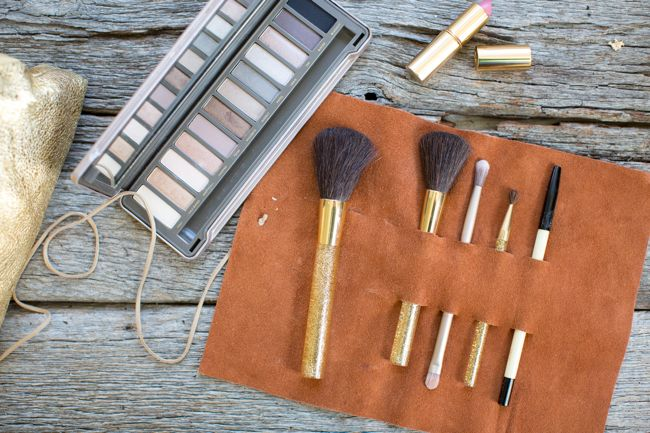 Diy leather makeup brush organizer