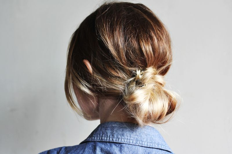Diy low messy bun