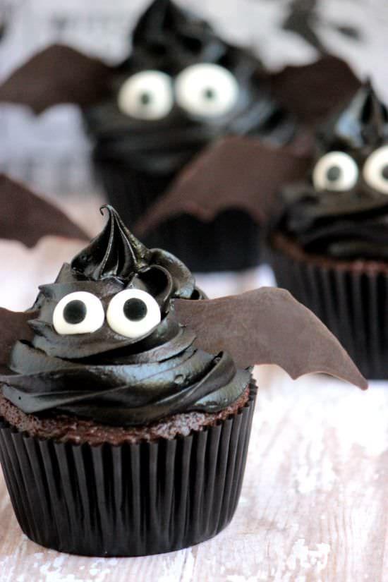 Easy bat cupcakes halloween treats
