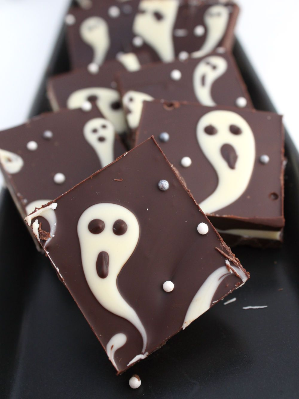 ghastly candy bark halloween treats - Halloween Trets