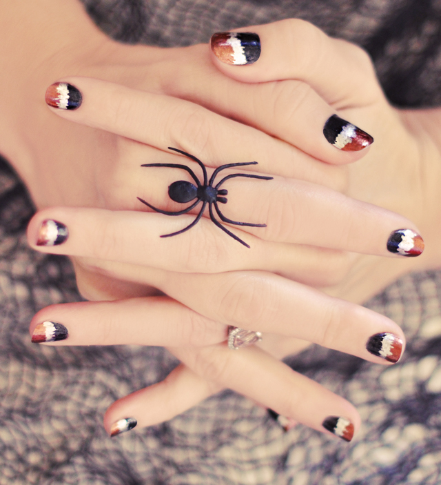 Halloween metallic nails